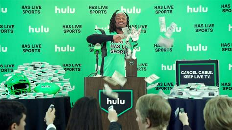 todd gurley    cat star  hilarious hulu