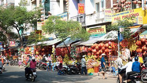 nouvel an chinois au quartier chinois à ivry quartier préparation pour la fête du nouvel an au quartier chinois