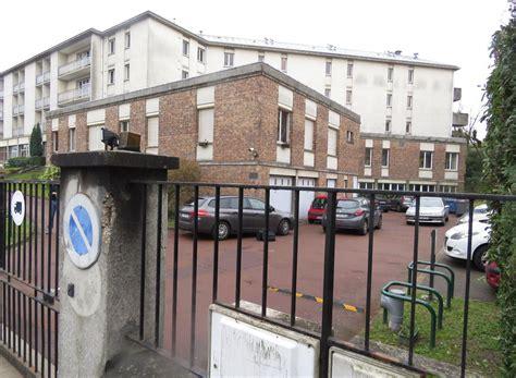 maison de retraite versailles versailles le policier tire sur le braqueur de la maison de retraite le parisien