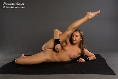 Naked Gymnast Alexandra Kroha 4