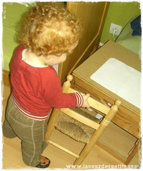 diy le bureau enfant gain de place 2 en 1 la cour des petits