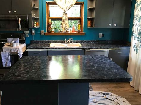the look of granite counter tops achieved using paint