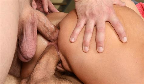 Double Penetration Sex Pics Hd Download Busty Women Has