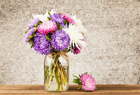 You Place The Flowers In The Vase by 13 Things Your Florist Won T Tell You Reader S Digest
