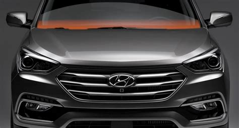 Edmunds also has hyundai santa fe xl pricing, mpg, specs, pictures, safety features, consumer reviews and more. Close up of a red 2018 Santa Fe XL grille and front window