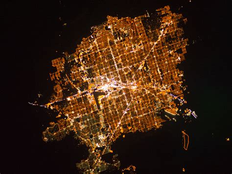 Las Vegas at Night : Image of the Day