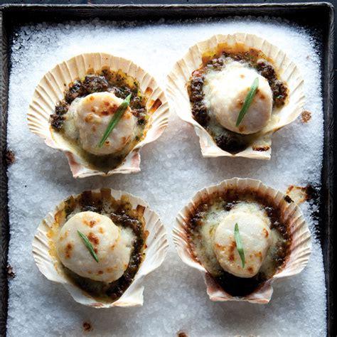cuisine coquilles jacques coquilles st jacques gratinéed scallops recipe saveur