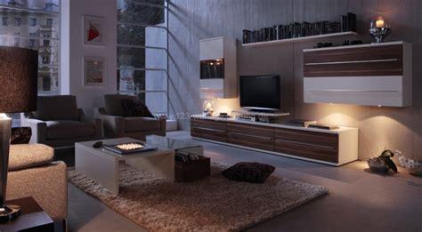mediterrane wandgestaltung im wohnzimmer mit der