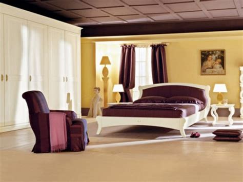 Cream, Purple & Gold Bedroom