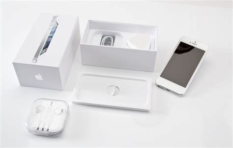 iphone box iphone 5 unboxing in pictures pc advisor