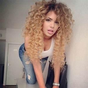 Hair, ombre hair color, blonde curly hair, honey blonde ...