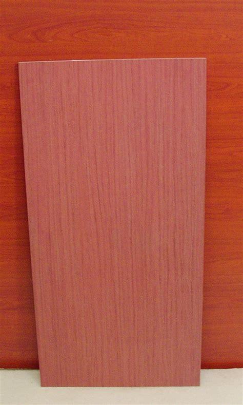 piastrelle in stock piastrella in stock effetto ciliegio venato pavimenti a