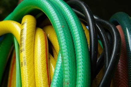 Guide To Garden Hoses Lovetoknow