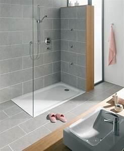 awesome exemple salle de bains moderne ideas design With modele salle de bain gris et blanc