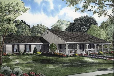 bedrm  sq ft country ranch house plan