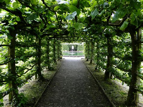 Garden : Stunning Beauty Of Levens Hall Garden, Uk [9 Pics]