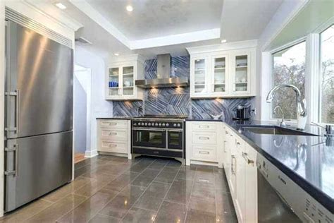 It can make you feel depressed if its too low and also can liven up your mood if it is used bright colors. 75 Best Modern Ceiling Design Ideas for Kitchen 2020 ...