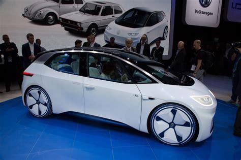 volkswagen  golf    id electric hatchback launches
