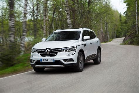 The renault koleos is a compact crossover suv which was first presented as a concept car at the geneva motor show in 2000, and then again in 2006 at the paris motor show, by the french manufacturer renault. Review: Renault Koleos (2017)