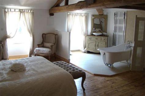 salle de bain ouverte dans chambre combles