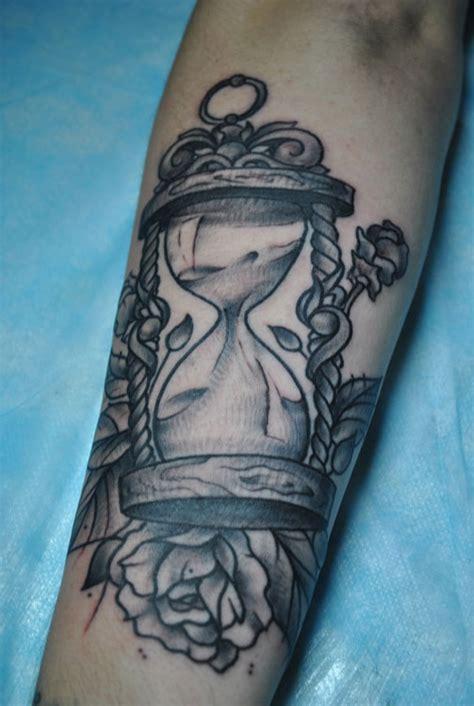 sand clock  rose tattoo tattoomagz tattoo designs