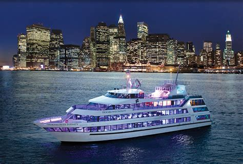 Dinner On A Boat Nyc by New York City Boat Tours Nyc Cruises And New York Cruises