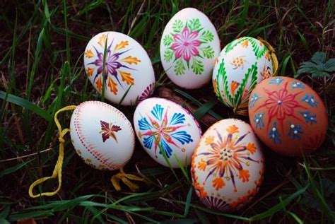 slovak hand painted easter eggs     decorative