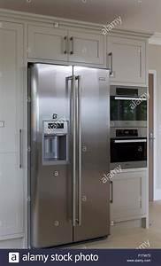 Kühlschrank Und Gefrierkombination : amerikanischer k hlschrank mit gefrierfach stockfoto bild 87213143 alamy ~ Markanthonyermac.com Haus und Dekorationen