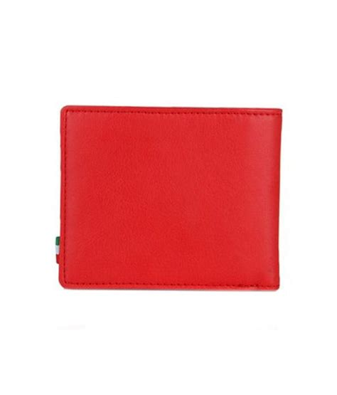 The padded straps also give comfort to your shoulder muscles. Puma Mens Red Ferrari Wallet: Buy Online at Low Price in India - Snapdeal