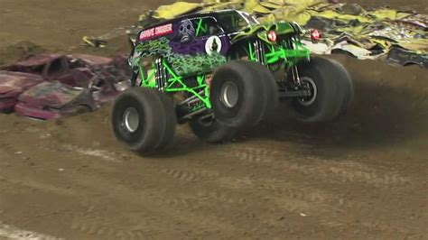 grave digger monster truck youtube monster jam grave digger monster truck freestyle from