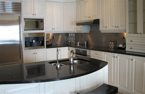 restauration armoires de cuisine en bois finition jaro à ascot corner anugo ca