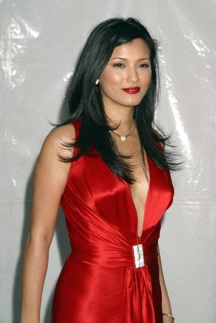kelly hu bra size age weight height measurements