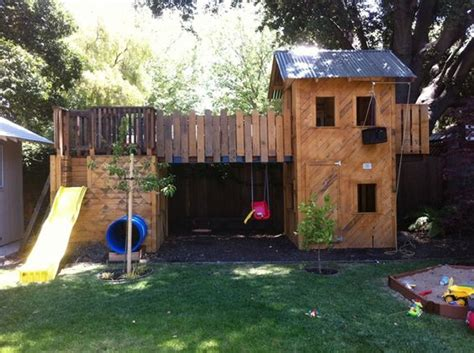 pallet playhouse projects  kids wood pallet ideas