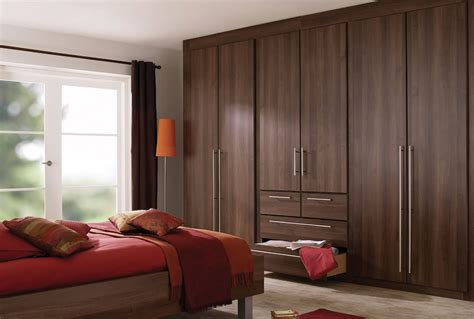 Schlafzimmer Design Braun by Brown Bedroom Furniture With Accessories