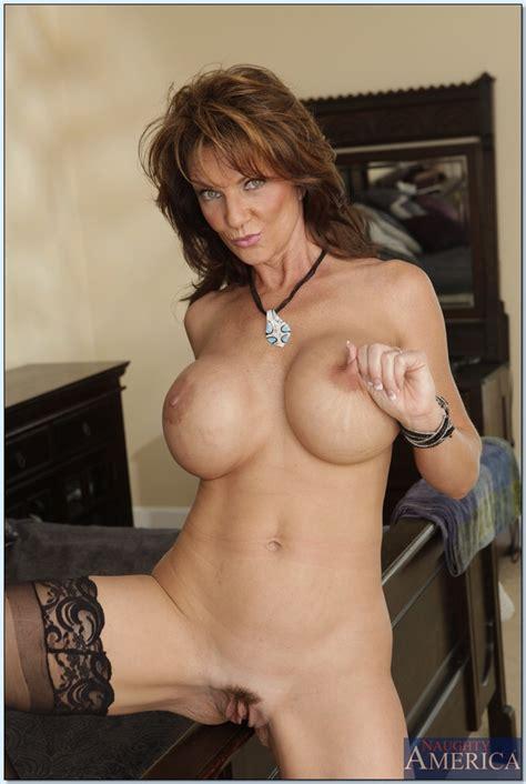 big tits and stockings make alanah rae and deauxma look like pornstars