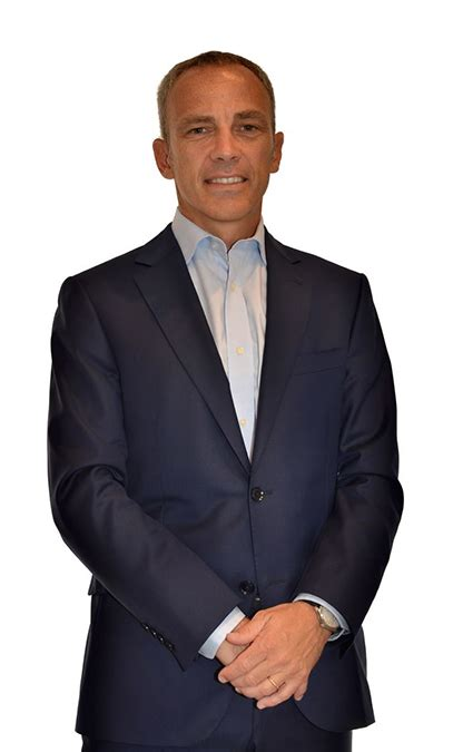 Paolo ferrari is president, ceo & coo of bridgestone americas, a subsidiary of world's largest tire and rubber company bridgestone corporation. Nowy Bridgestone z Pirelli