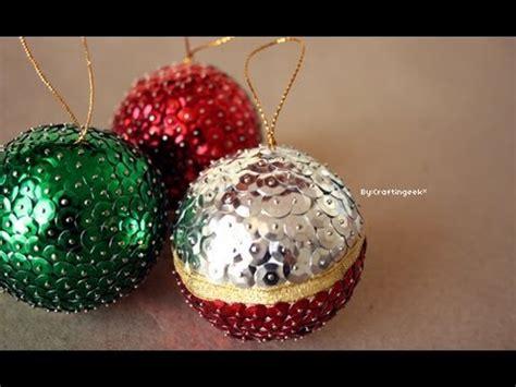 esferas navideñas hechas con lentejuela y canutillo ♥ s Doovi