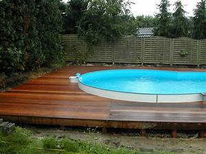 Pool Mit Holzterrasse : poolumrandung holz rund selber bauen ~ Whattoseeinmadrid.com Haus und Dekorationen