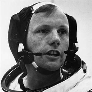 Neil Armstrong - Astronaut, Explorer, Pilot - Biography.com