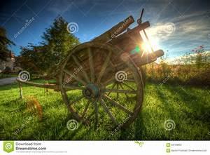 Cuisiniste Chalon Sur Saone : french antique wooden wagon stock photo image 63759955 ~ Premium-room.com Idées de Décoration