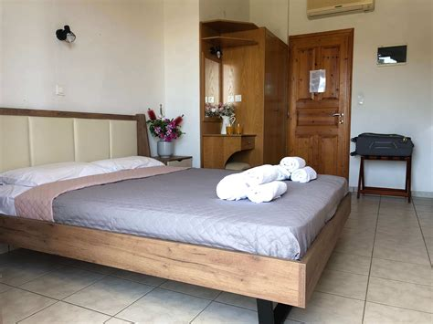 jimmys guest house skiathos rent room