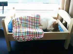 Lit Japonais Ikea : des japonais transforment des lits de poup e en lit douillet pour leur chat image ~ Teatrodelosmanantiales.com Idées de Décoration