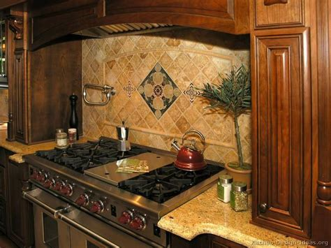 Small Kitchen Backsplash Ideas Pictures by 578 Best Images About Backsplash Ideas On