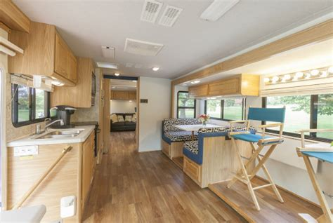On Location Production Motorhome Rental   MoPro Chicago