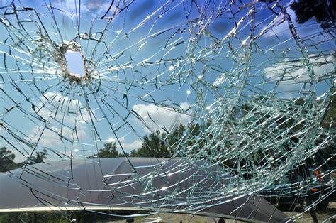 insurance  fix windshield damage