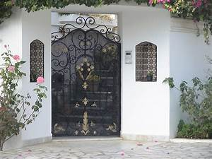 style de porte exterieure en fer forge tunis maisons With porte de garage simple