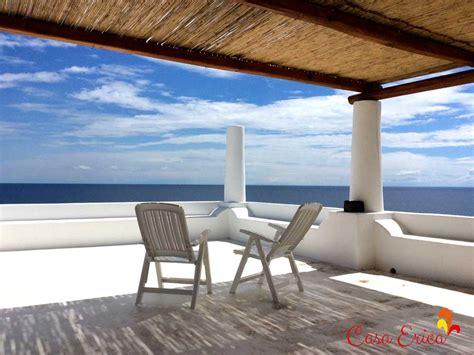 terrazza vista mare la terrazza panoramica con vista mare e strombolicchio