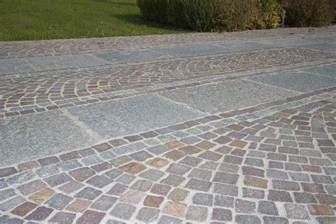 Pavimenti Per Cortili Esterni by Pavimenti In Pietra Naturale Per Esterni Cortili E