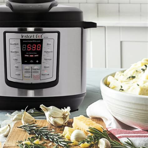 popular holiday gifts for techies gift ideas for techies foodies and fitness