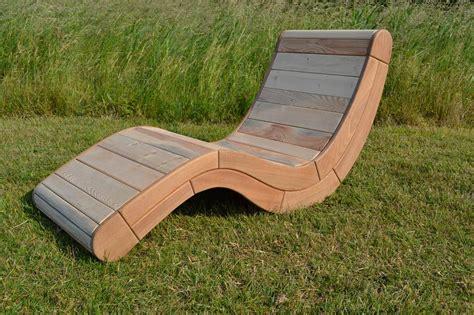 chaise longue en palette bois chaise longue design vintage thierry marc en bois